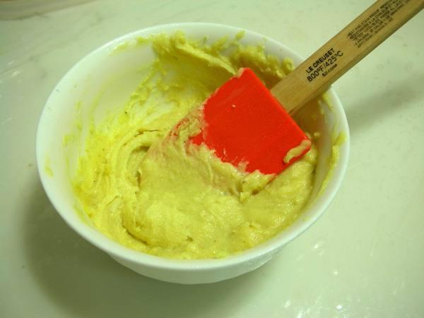 香菜奶油之2 攪拌奶油.JPG