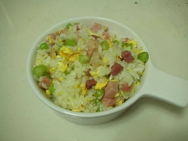 豆豆蛋炒飯6.JPG
