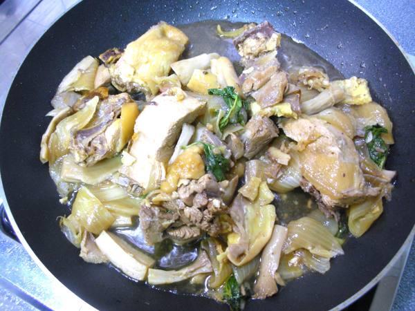 洋蔥燒雞之1.JPG