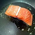 香煎鮭魚4.JPG