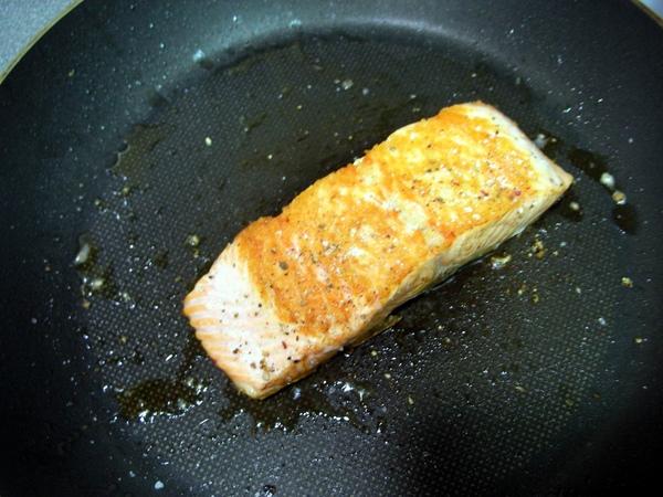 香煎鮭魚6.JPG