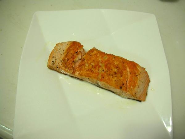 香煎鮭魚7.JPG