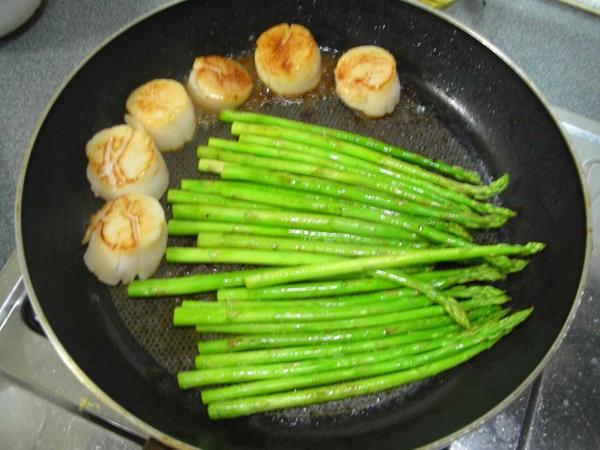 香煎干貝佐菠菜蘆筍2.JPG