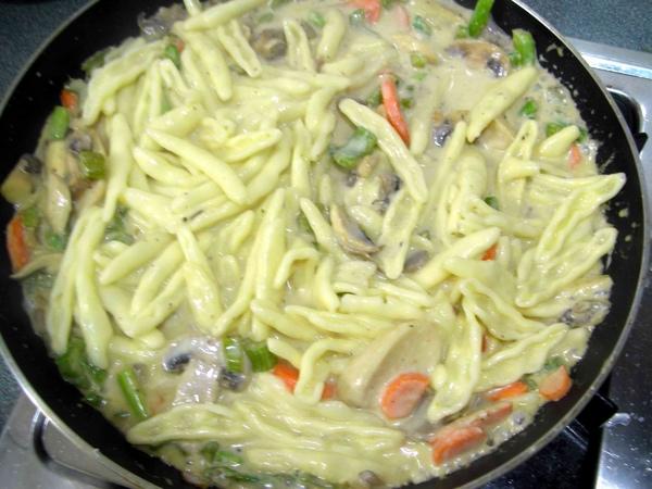 白醬義大利麵6.JPG