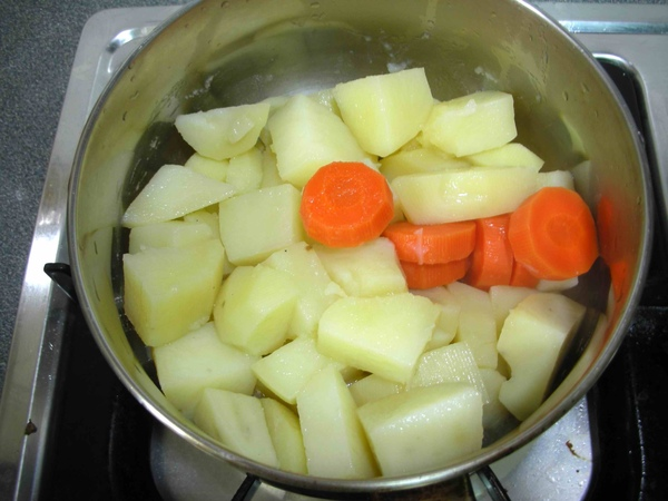 燉馬鈴薯3.JPG