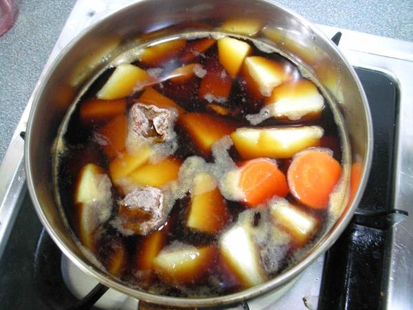 燉馬鈴薯4.JPG