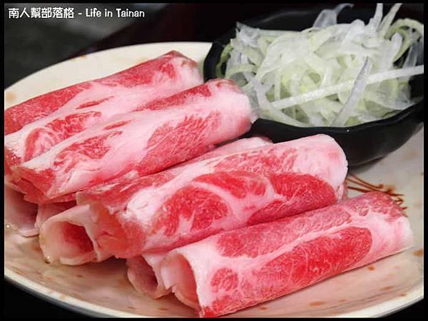 鼎勝火烤兩吃-燒烤豬肉盤.jpg