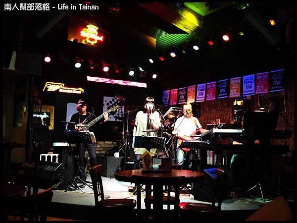 老拓音樂餐廳-07.jpg
