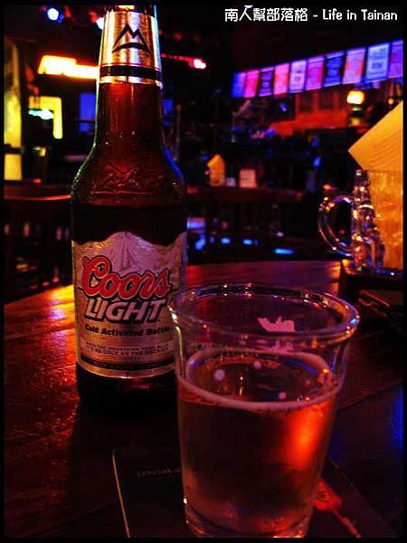 老拓音樂餐廳-酷爾斯啤酒(特價120元)(未成年請勿飲酒).jpg