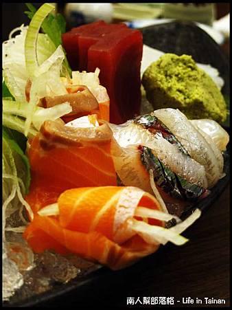 富山日本料理-生魚片兩份.jpg