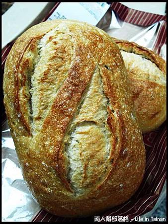 好市多COSTCO台南店-迷迭香橄欖麵包2顆(169元).jpg