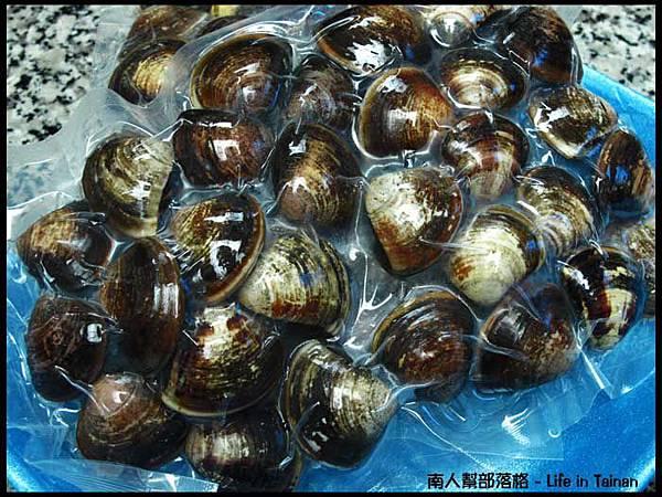 好市多COSTCO台南店-蛤蠣1公斤約40~45顆(145元).jpg