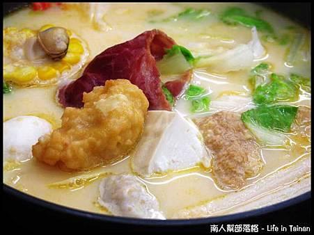津華火鍋-0培根起司鍋(160元)01.jpg