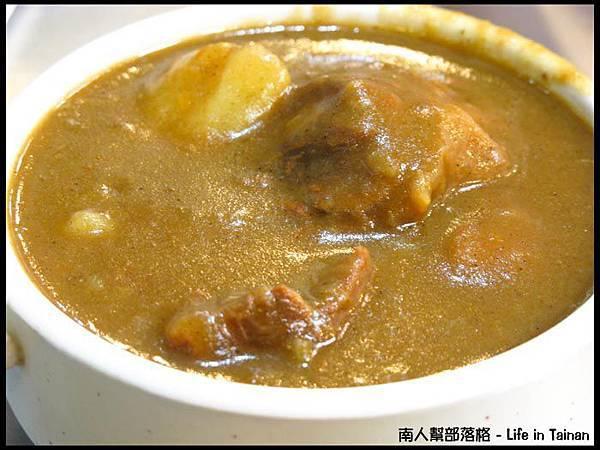 老騎士咖哩飯-咖哩牛肉飯(85元).jpg