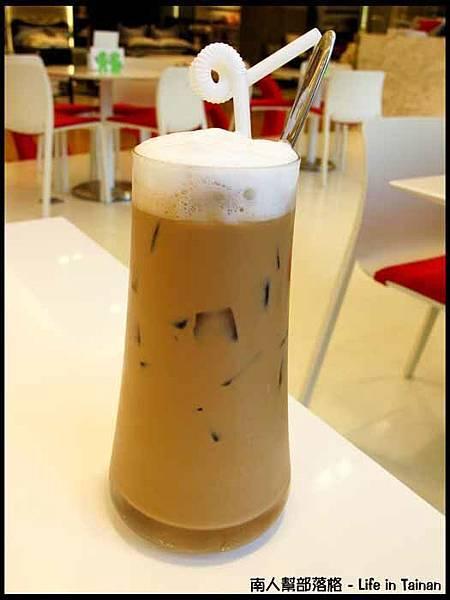 ALESSI CAFE-冰卡布奇諾(160元)