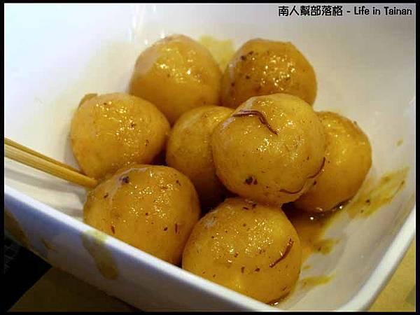 台中大遠百-糖朝魚蛋兩串(50元)