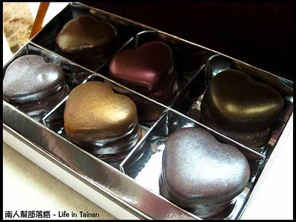 sweet emily法式甜品-巧克力馬卡龍禮盒(500元6入)