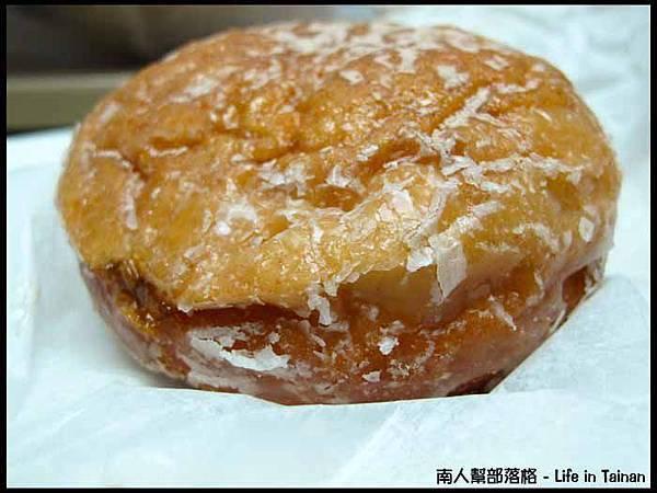 高雄行-大遠百Dunkin' Donuts 肉桂蘋果夾心 (35元)
