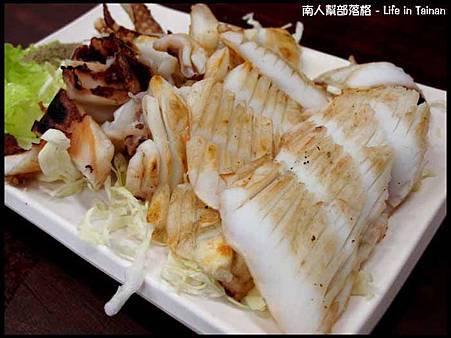 鄭家孔雀蛤大王-烤軟絲(250元)
