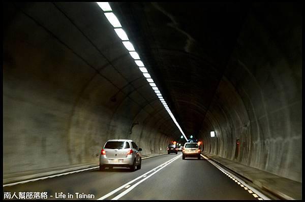 05.雪山隧道-02