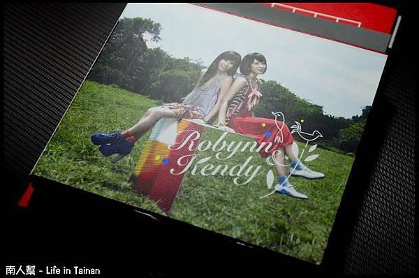 25.Robynn & Kendy