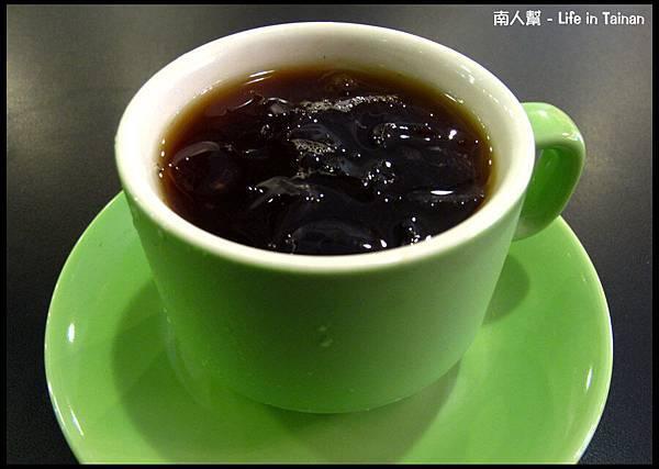 鯊魚咬土司(員林店)-附餐冰咖啡
