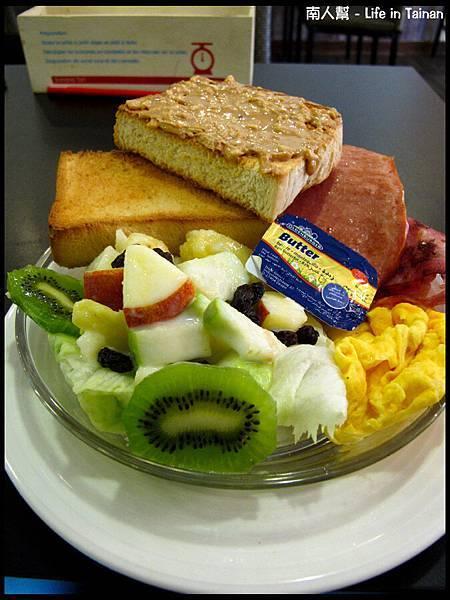 鯊魚咬土司(員林店)-羅浮經典火腿德式早餐(150元)