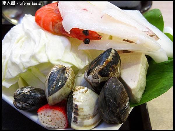 歐圖咖啡廚房(台南新市店)-火鍋海鮮盤