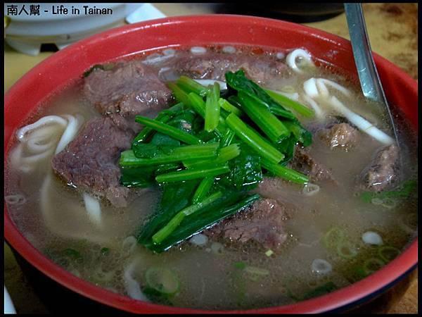 廖家牛肉麵-牛肉麵(大160元份)01