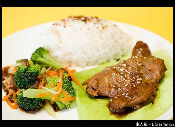 聚朋屋複合式餐廳-日式照燒雞腿餐01