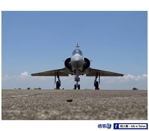 M-2000-5DI型戰術戰鬥機-01.jpg