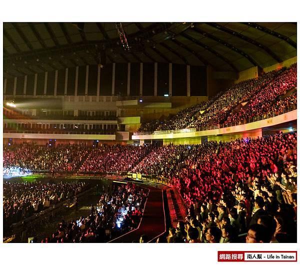 陳綺貞2013台北小巨蛋演唱會時間的歌-06.jpg