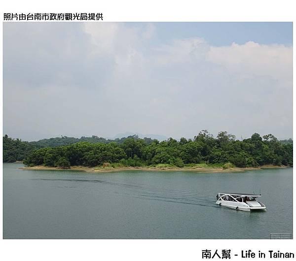 烏山頭水庫太陽能動力載客小船正式開航