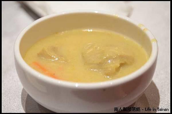 總理大餐廳03-咖哩霜降豬(小辣).jpg