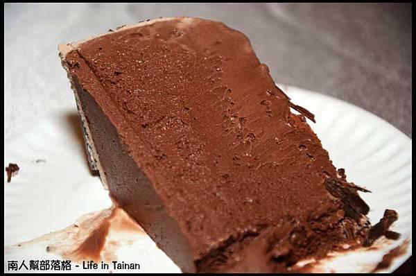 總理大餐廳-我們買的多那之八吋母親節巧克力冰淇淋蛋糕01.jpg