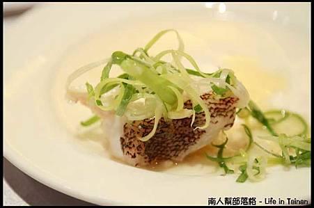 總理大餐廳04-梅花斑.jpg