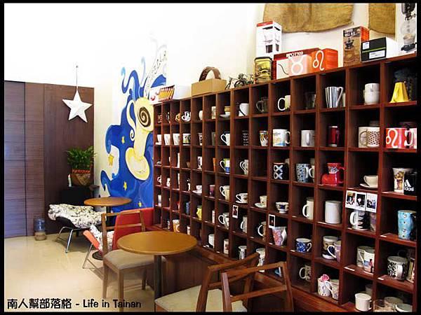晨星咖啡烘焙專賣店-店內一角02.jpg