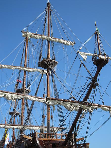 帆全收起來的