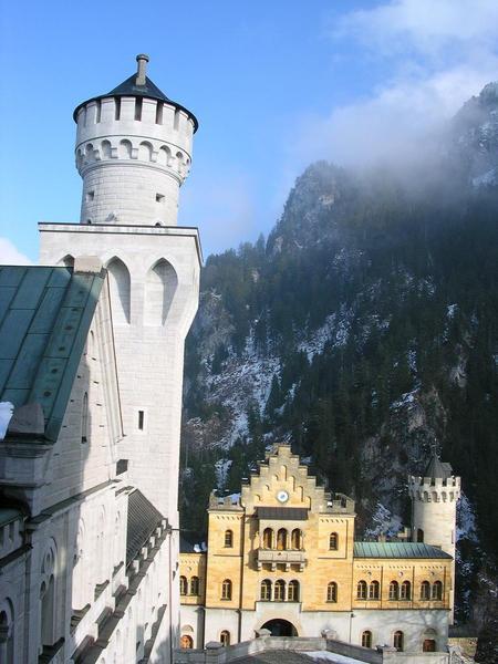 從城堡內往外看