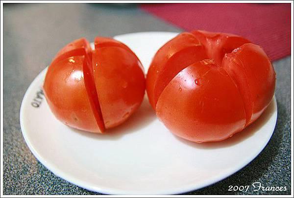 03新鮮蕃茄兩顆.jpg