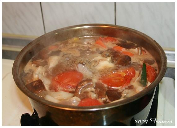 05煮湯中.jpg