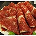牛肉超棒的啦,不沾醬就很鮮美