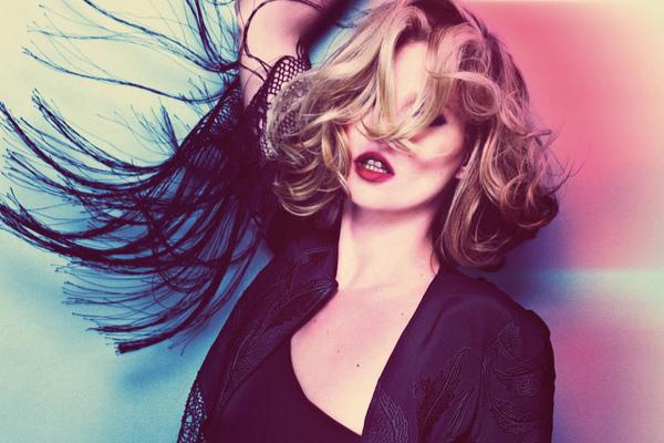 Kate Moss Tophop 02.jpg
