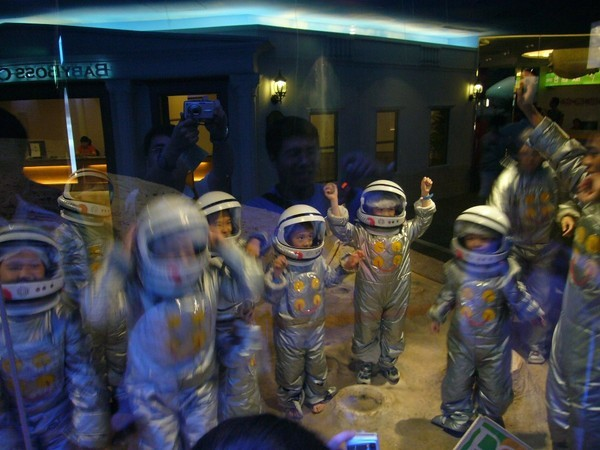 babyboss太空人4.JPG
