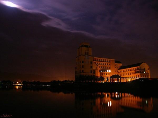 行政大樓夜景