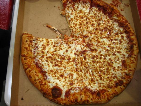 直接在賣場吃披薩了