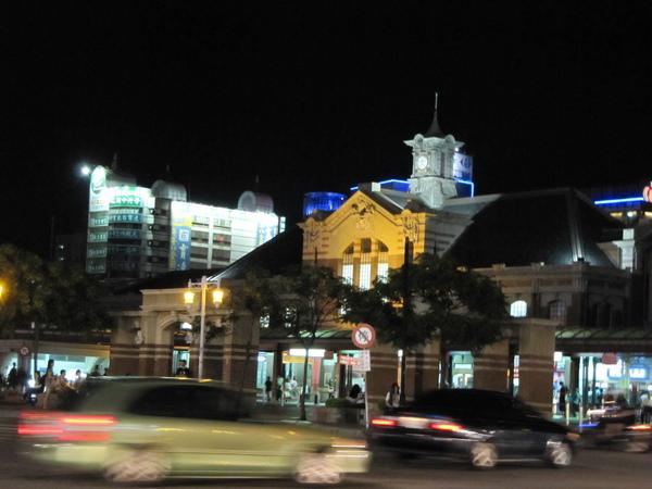 台中火車站夜色