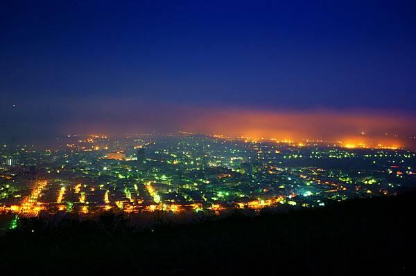 中心碑夜景