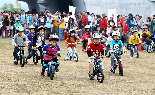 2014年日月潭Come!Bikeday單車活動照片-兒童滑步車.jpg