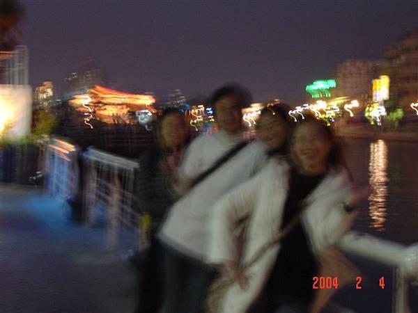 2004-2-4高雄燈愷 042